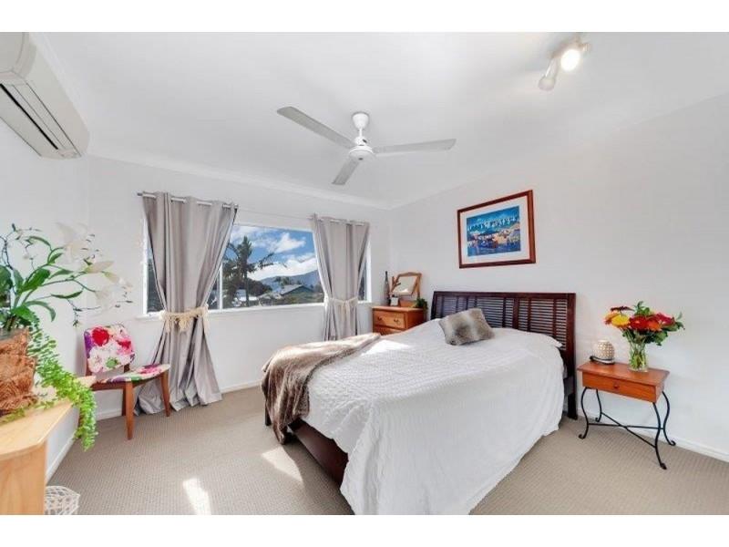 9/303 Lake Street, Cairns North QLD 4870