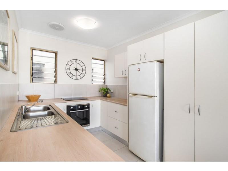 9/49-51 Digger Street, Cairns North QLD 4870