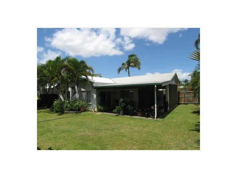 14 Kangaroo Street, Bentley Park QLD 4869