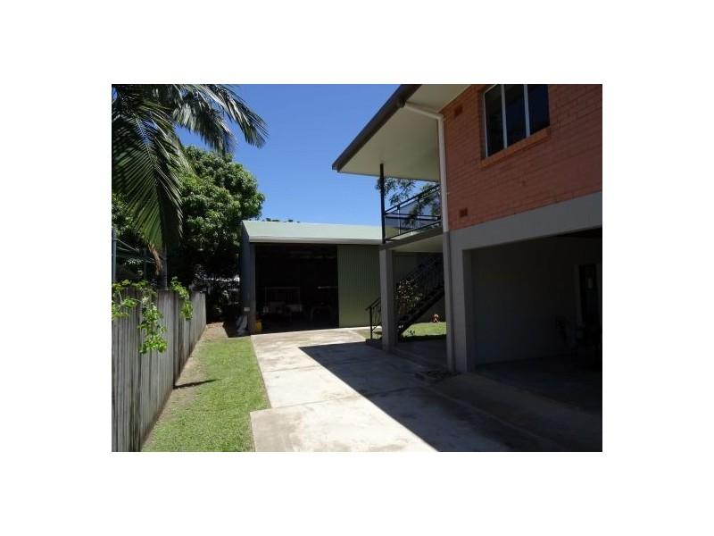 15 Chataway Street, Mooroobool QLD 4870