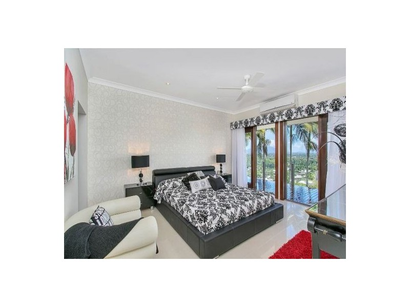 102 Nolan Street, Whitfield QLD 4870