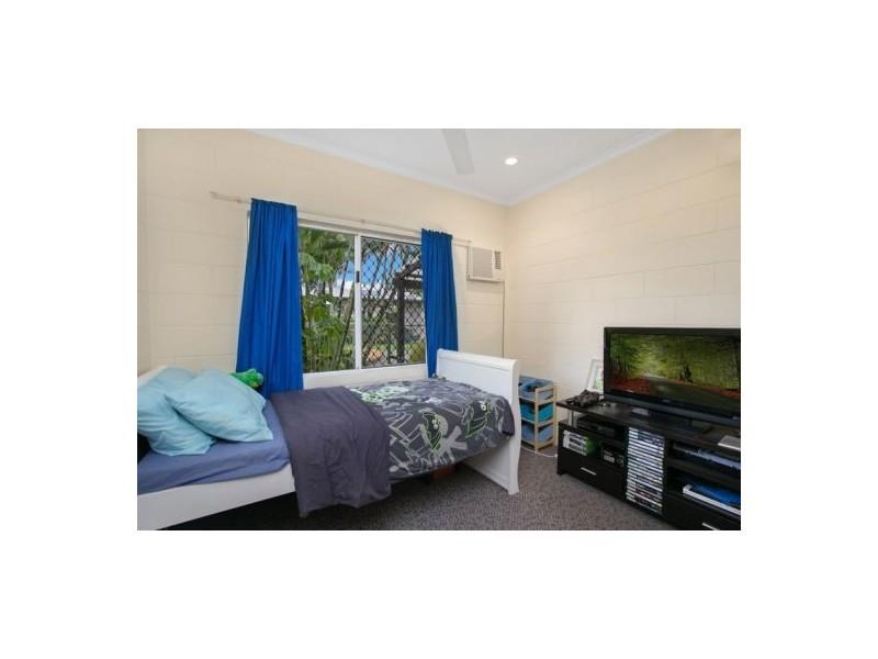 2/7-9 Nesbit Street, Whitfield QLD 4870