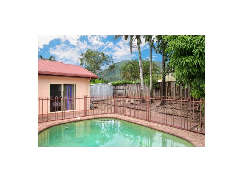 5 Wiskar Close, Bentley Park QLD 4869