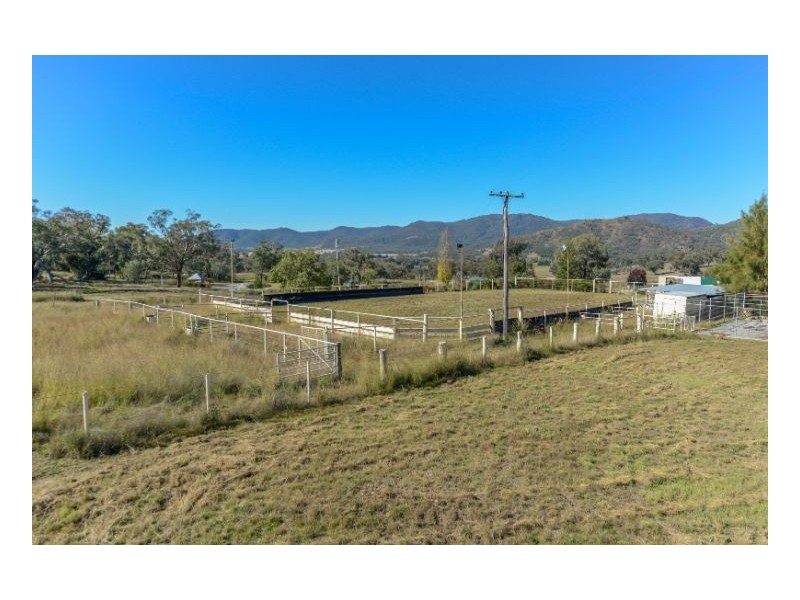 19 Tintinhull Road, Tamworth NSW 2340