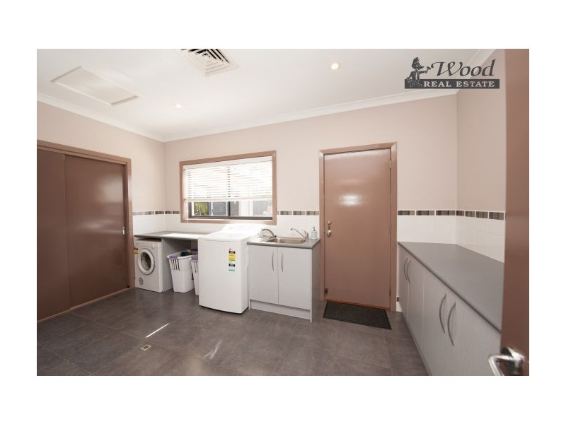 39 Hinchinbrook Crt, Thurgoona NSW 2640