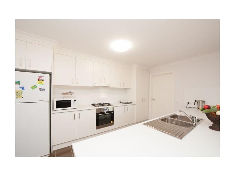 14 Henschke Avenue, Thurgoona NSW 2640