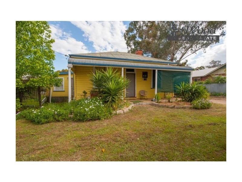 209 Alexandra St, East Albury NSW 2640