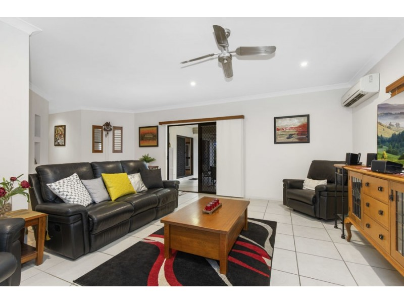 35 Greenview Drive, Mount Louisa QLD 4814