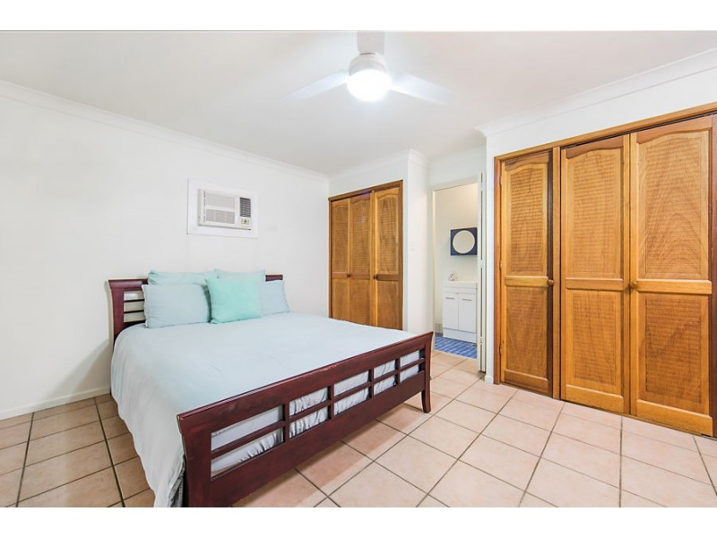 10 Sallows Street, Pallarenda QLD 4810