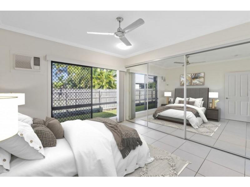 9 Littabella Place, Bushland Beach QLD 4818