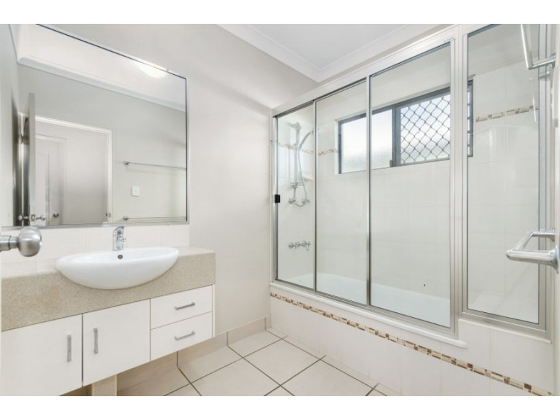 3 Bluff Street, Bushland Beach QLD 4818