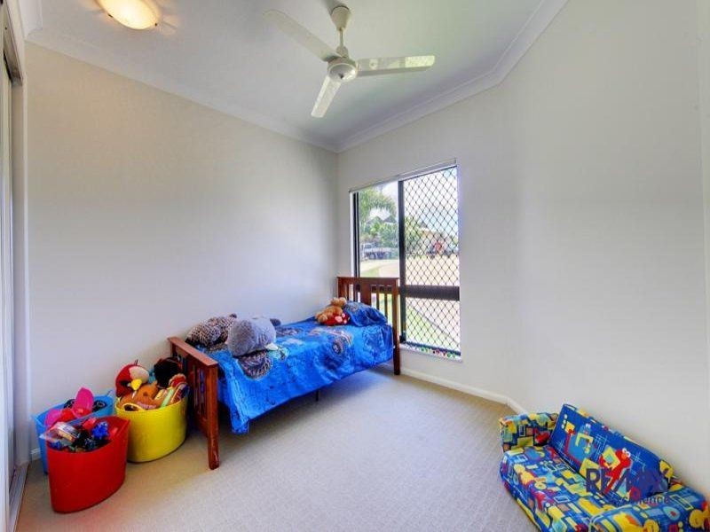 22 Lockyer Pl, Mount Louisa QLD 4814