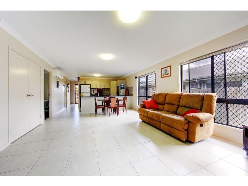17 Kroymans Drive, Mount Louisa QLD 4814