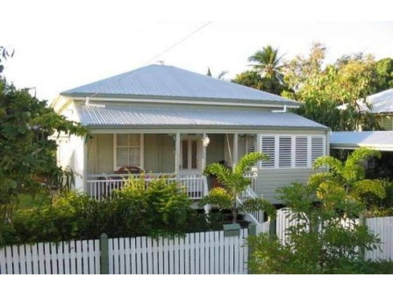 9 Goldring Street, Hermit Park QLD 4812