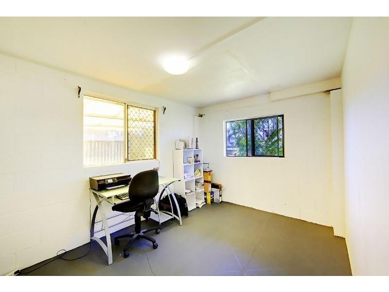 19 Davies Street, Mount Louisa QLD 4814