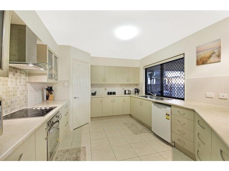 23 Eungella Court, Bushland Beach QLD 4818