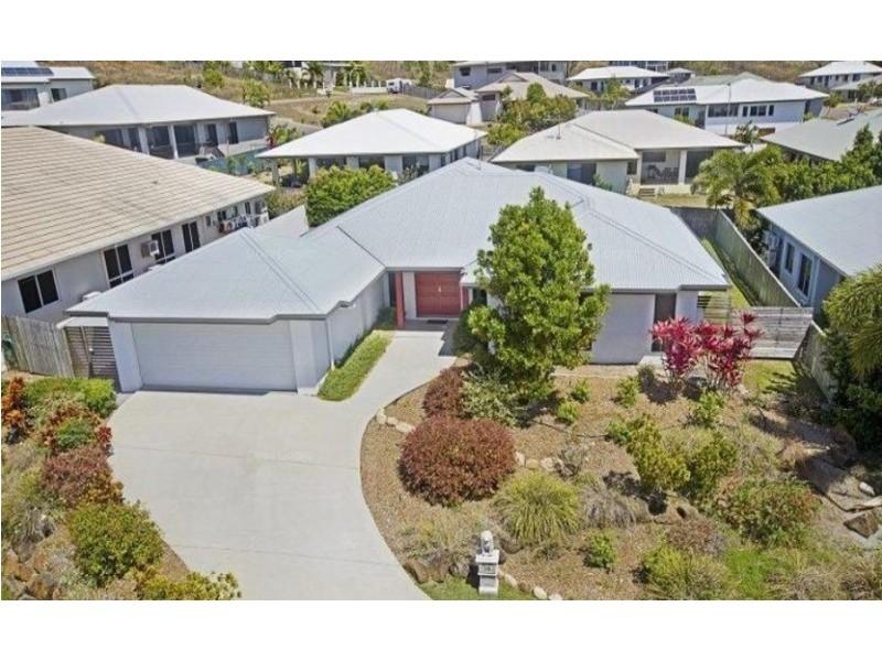 14 Shutehaven Circuit, Bushland Beach QLD 4818