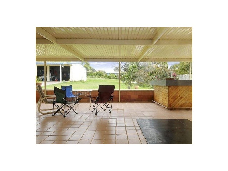 11 Beacon Road, Booral QLD 4655