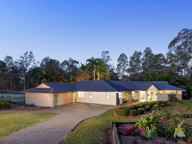 203 Sugars Road, Anstead QLD 4070