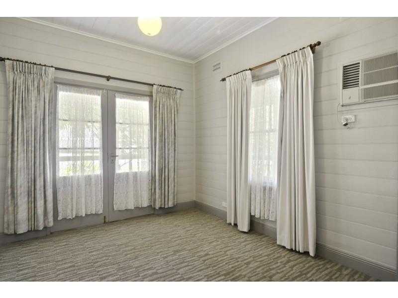 6 Tarawara Street, Bomaderry NSW 2541