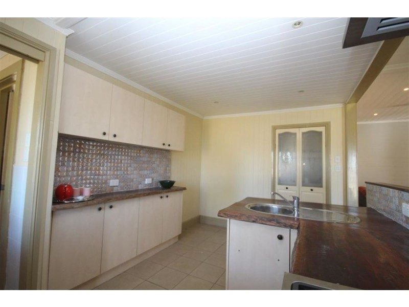 49 Molesworth Street, Tenterfield NSW 2372