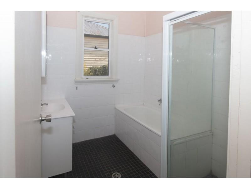 9 Molesworth Street, Tenterfield NSW 2372