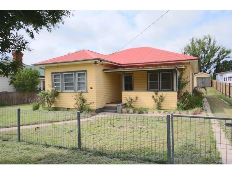 25 High Street, Tenterfield NSW 2372