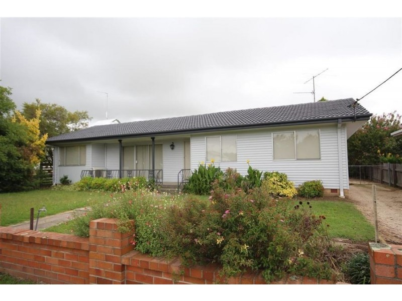 36 High Street, Tenterfield NSW 2372
