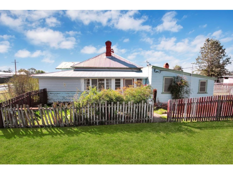 100 Bulwer Street, Tenterfield NSW 2372