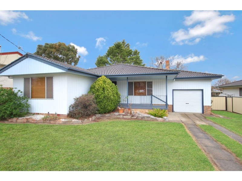 78 Logan Street, Tenterfield NSW 2372