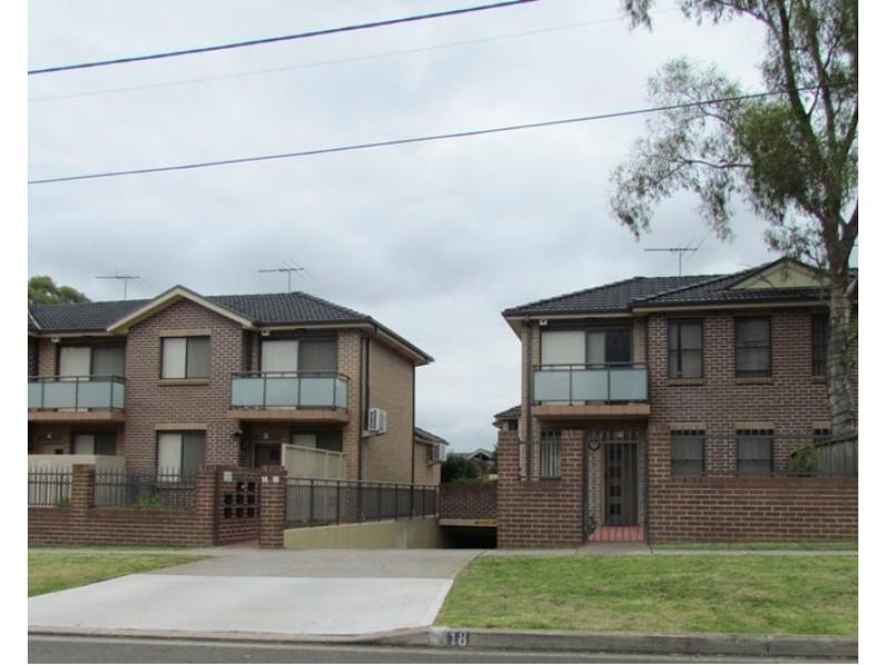 13/14-18 Valeria Street, Toongabbie NSW 2146