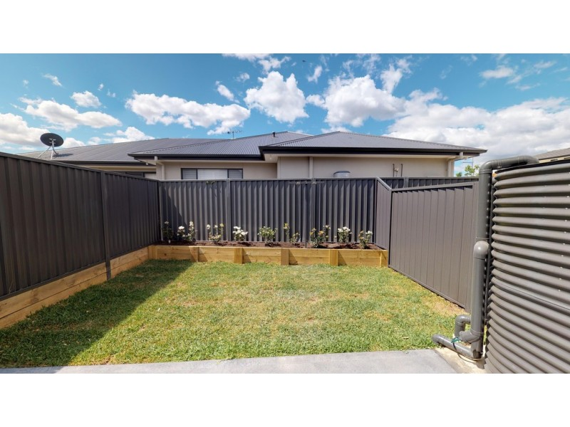 27A Edgewater Drive, Glenmore Park NSW 2745