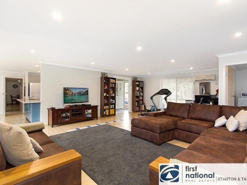9 Hughes Street, Londonderry NSW 2753
