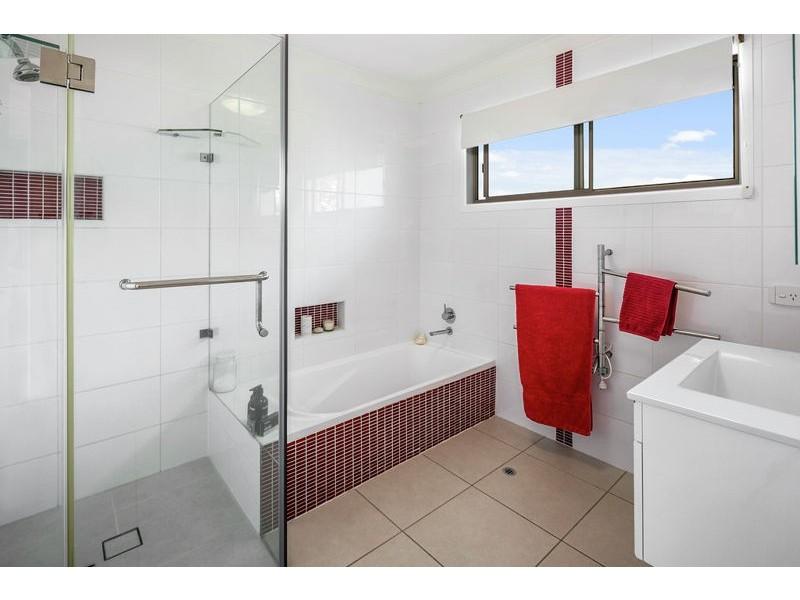 6 Foggitt Court, Ormiston QLD 4160