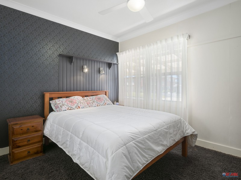 8 Church Street, Victoria Point QLD 4165