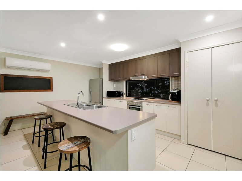 33 Brookvale Drive, Victoria Point QLD 4165