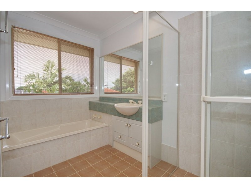 21 Lewis Place, Manly West QLD 4179