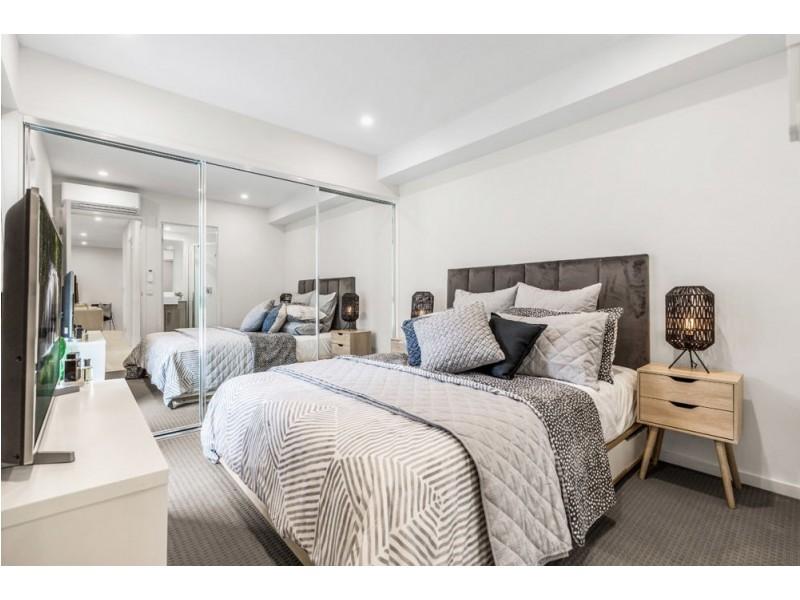 4/2 Little Bennett St, Norman Park QLD 4170
