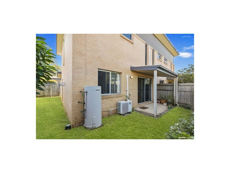 8/2 Station Road, Burpengary QLD 4505