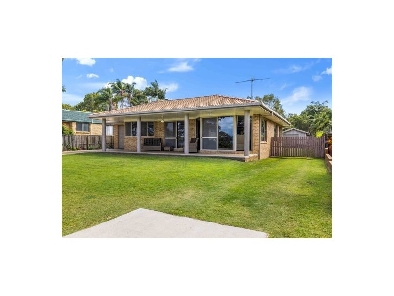 17 Timothy Esplanade, Beachmere QLD 4510