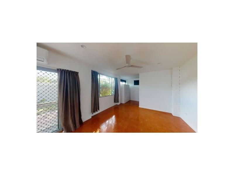7 Phillip Street, Beachmere QLD 4510