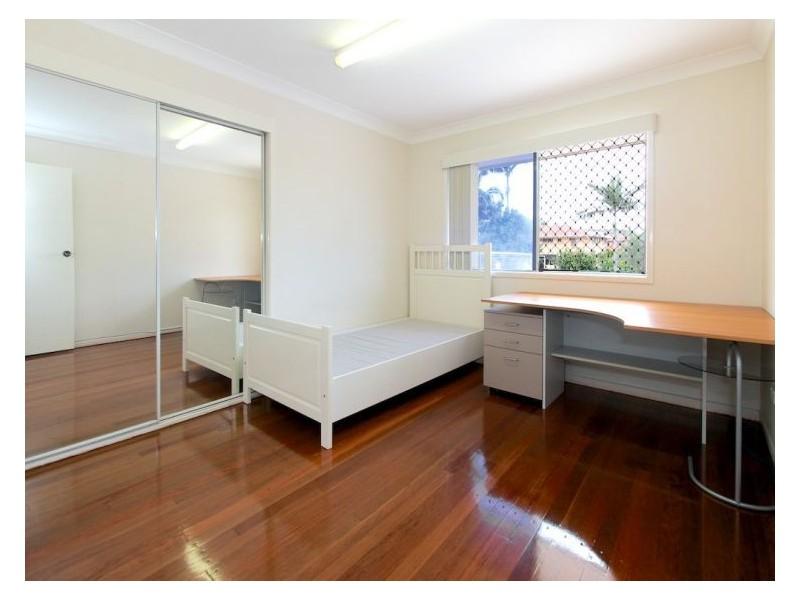 3 Darlington Street, Macgregor QLD 4109