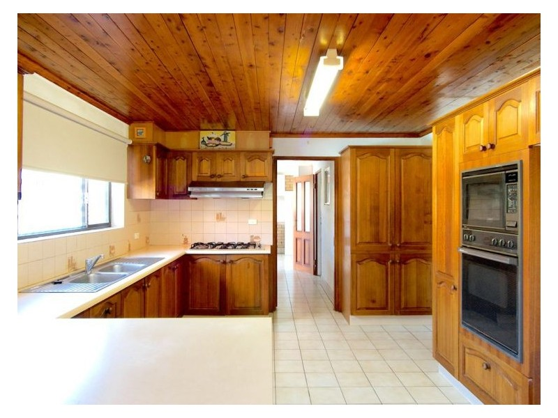 3 Carnoustie St, Macgregor QLD 4109