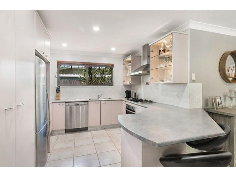 48 Paluna Street, Riverhills QLD 4074