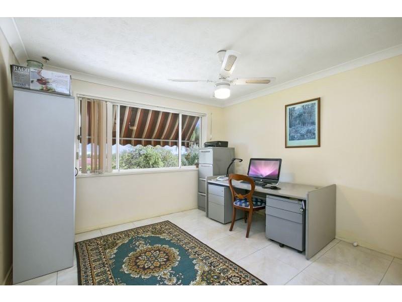 4 Moray, Highland Park QLD 4211