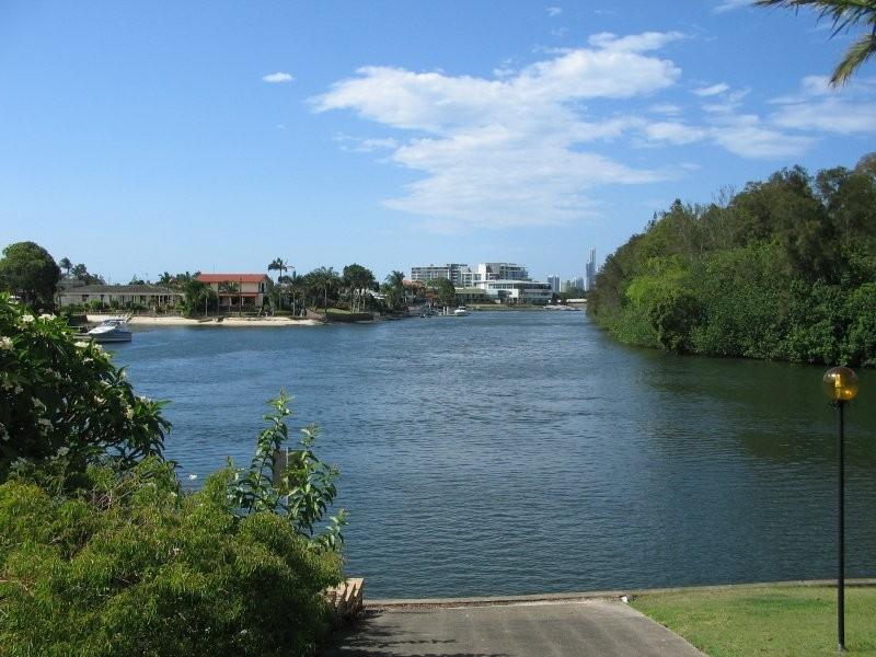 3/11 Hooker Boulevard, Broadbeach Waters QLD 4218