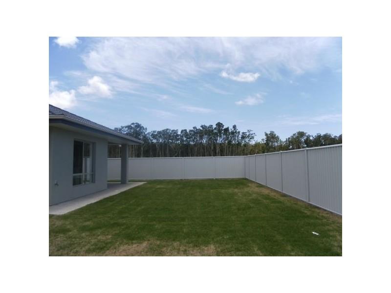 100 Tweddell Drive, Pelican Waters QLD 4551