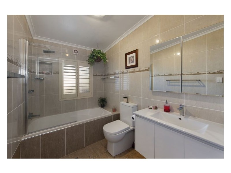 142 Chifley St, Wetherill Park NSW 2164