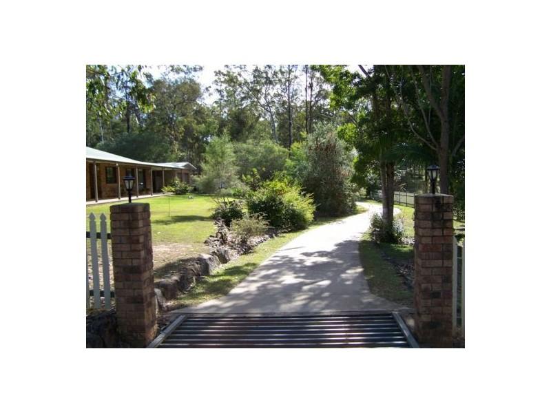 Bells Bridge QLD 4570