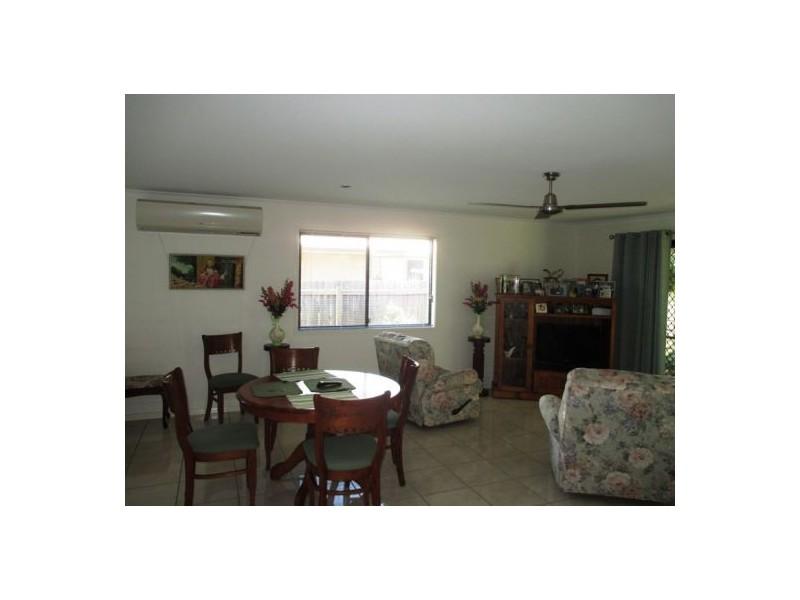 Unit 1/1 Suncrest Court, Southside QLD 4570